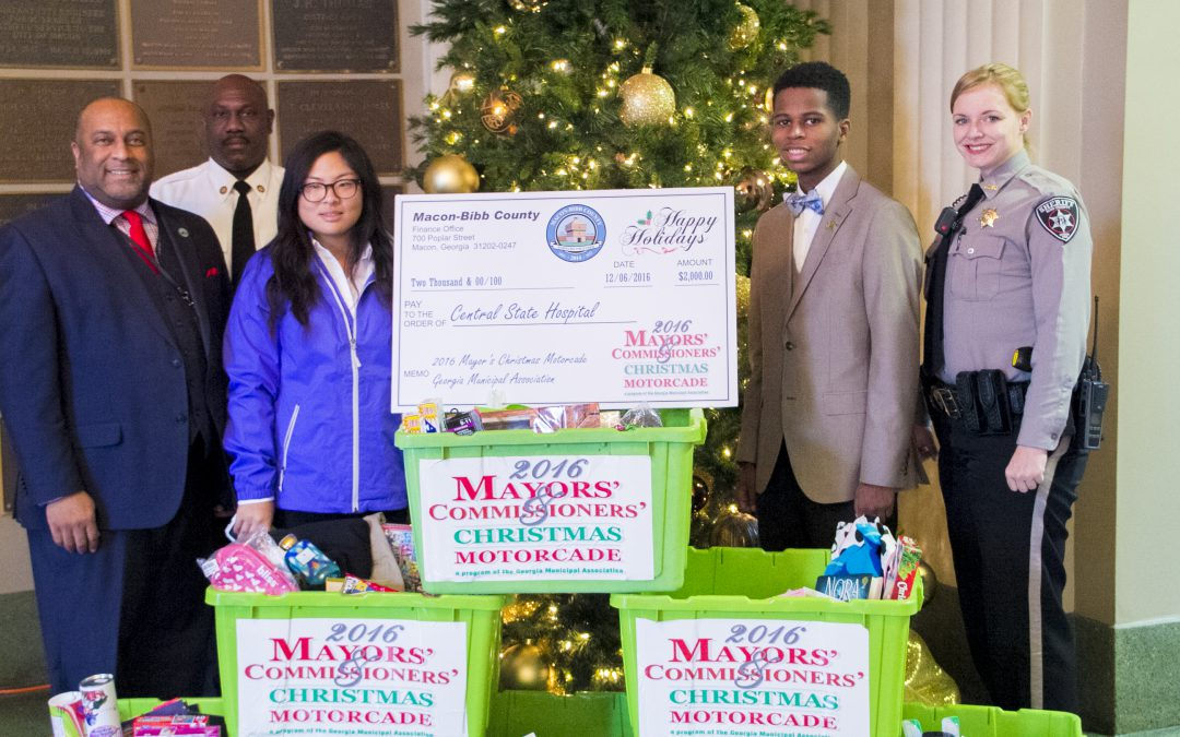 Commissioners collecting gifts for Central State Hospital