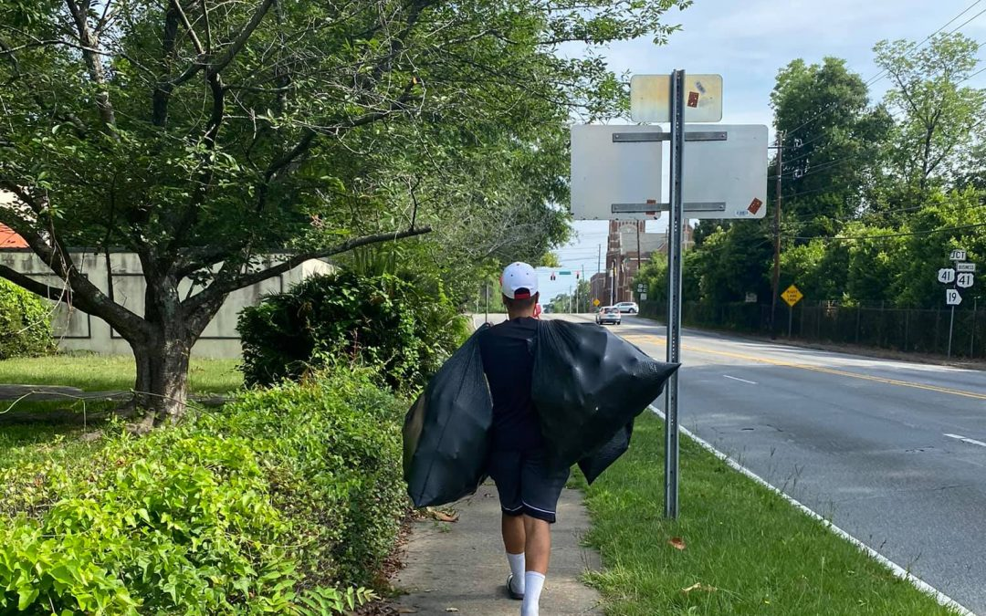 Historic Vineville, Napier Heights come together to clean streets